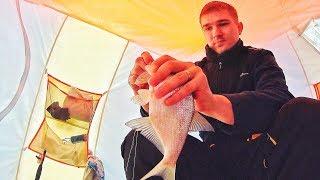 Зимняя рыбалка на Озерне. Крёстный ловит ЛЕЩА!!!