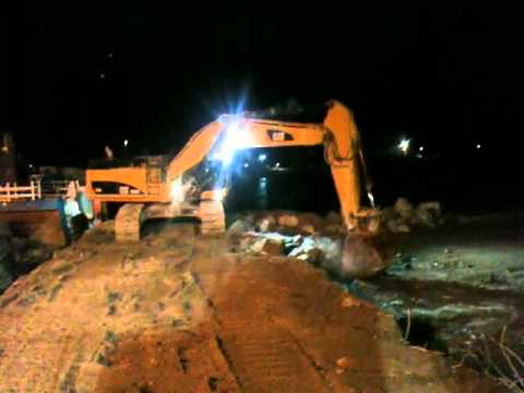Loading by night Ham602 With Cat 374DL and Cat 385CL part 2