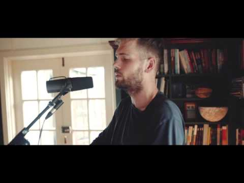 Thom Davies- 'Come fly with me' (Frank Sinatra cover)