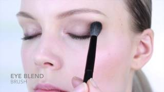 Nicci Welsh eye blend brush Thumbnail