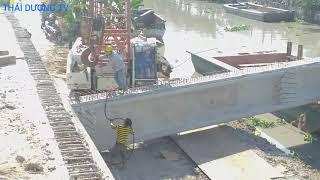 Toàn cảnh quá trình nâng vào bệ 1 cây dầm cầu 80 tấn