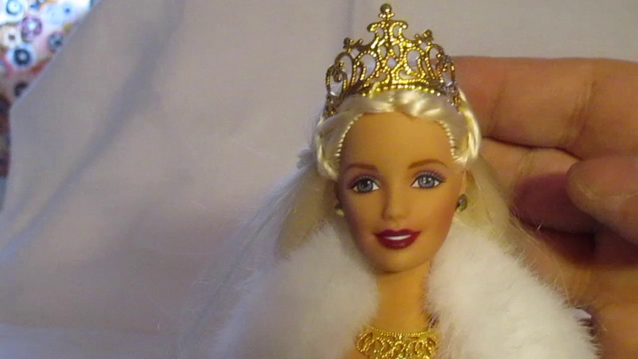 Special 2000 Holiday Celebration Millennial Barbie Review - YouTube