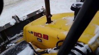 Экскаватор погрузчик New Holland lb110 2006 заводка в мороз(Продается экскаватор погрузчик New Holland lb110 2006 г.в. Данное видео демонстрирует как он (лот номер 1) заводится..., 2016-01-23T18:25:09.000Z)