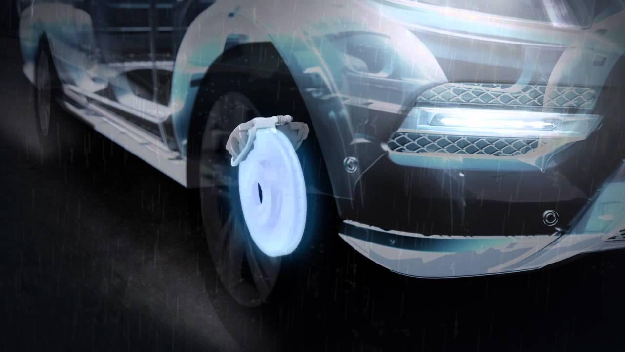 BMW 5 Series: Adaptive brake assistant