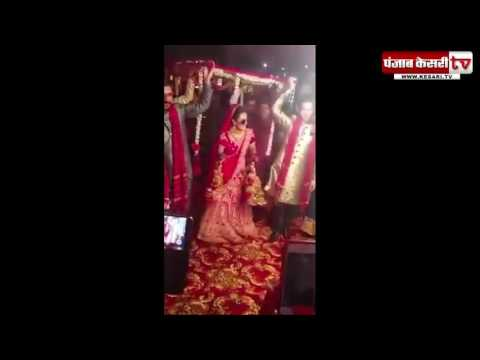 Surprise! Modern Bride makes a dancing entrance to the Mandap on her wedding day!
