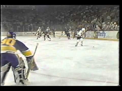 Steve Larmer shorthand slapshot goal - 1990 Norris Division final game 7