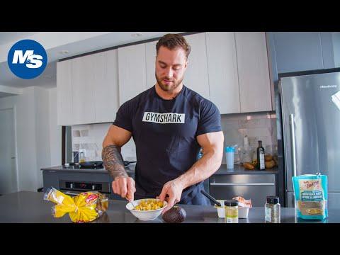What Bodybuilders Eat For Breakfast | Vegan Bodybuilding Breakfast | Chris Bumstead