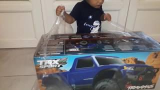 baby boss unboxing traxxas trx4 sport 😁,so cute😄