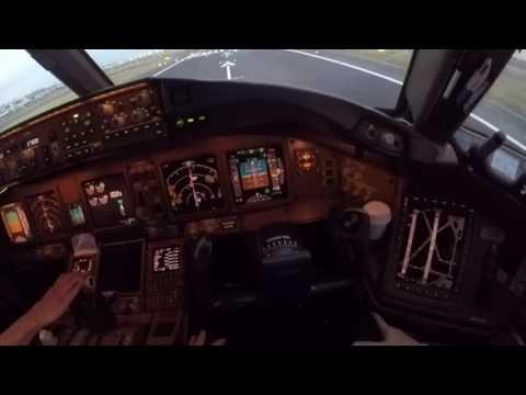 AeroMexico Boeing 777, despegue CDMX,  desde la vista del primer oficial.