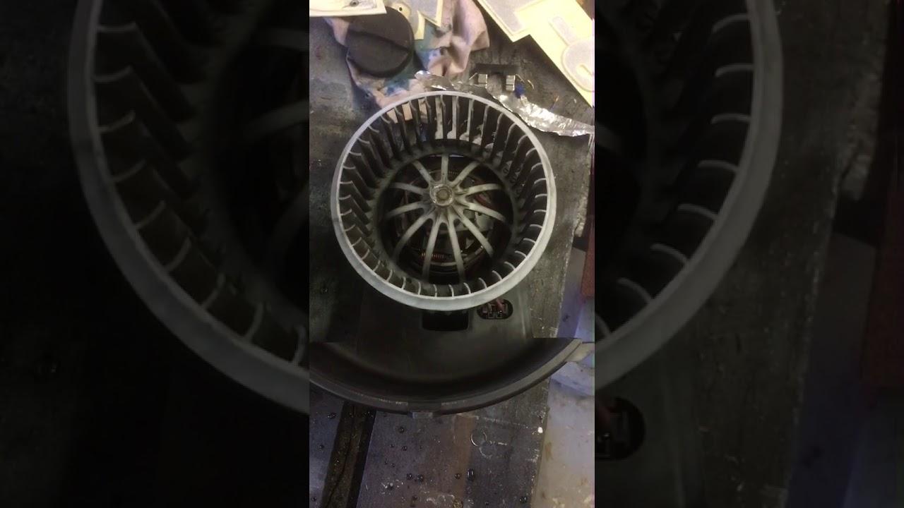 VW T5 heater blower motor fix - YouTube