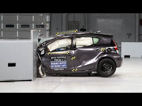 2015 Toyota Prius C Driver-side Small Overlap IIHS Crash Test