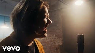 Download Lewis Capaldi - Bruises (Official Live Video)