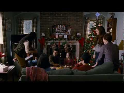 "THE TWILIGHT SAGA: BREAKING DAWN PART 2 - TV Spot ""Holiday"""