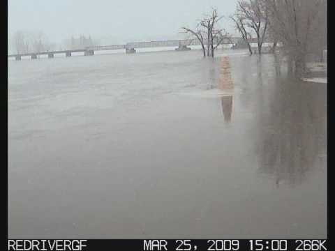 Red River at Grand Forks, ND - 2009 Flood Time Lapse - Crest #1