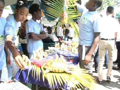 Junior Co-operatives participate in Junior Achievement's Annual Trade Fair