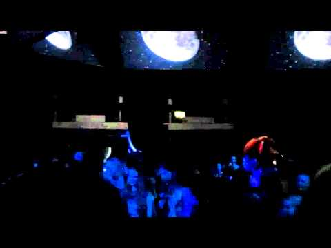 Björk - Biophilia project Moon (Live at MIF).avi