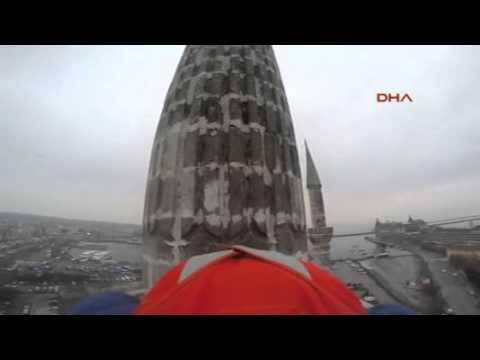 Kurban Bayramını Minareden Atlayarak Kutladı