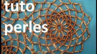 Repeat youtube video Tuto grand napperon en perles avec plusieurs petits
