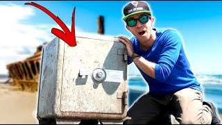 REAL 200 YEAR OLD SAFE FOUND NEAR A SHIPWRECK!