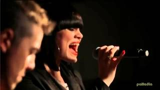 Jessie J - Who you are (Acoustic)