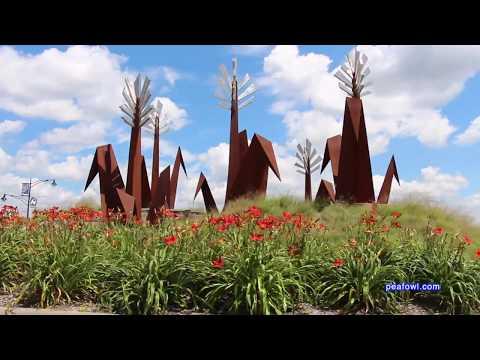 Corn Sculpture Roundabout, Marion, Ia.  Travel USA, Mr. Peacock & Friends, Hidden Treasures