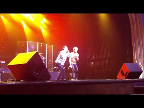 Van Son & Bao Chung  dance Gangnam Style (2013)