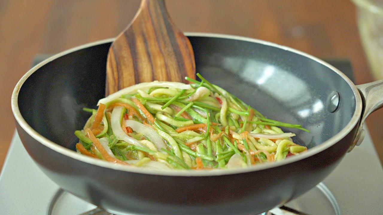 전을 이렇게 부치면 살도 안찌고 훨씬 맛있어요‼️ 밀가루 없이 쉽고 더 맛있는 채소 부침개😋