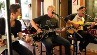 Gambar cover The Offspring: Come Out and Play (Acoustic)