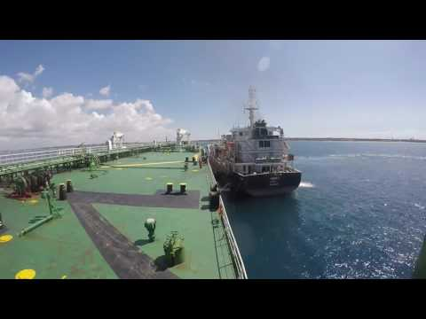 maneuvering bunker ship to ship