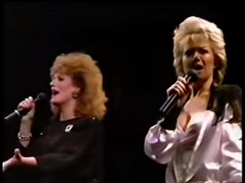 BARBARA DICKSON AND ELAINE PAIGE - I KNOW HIM SO WELL (LIVE)