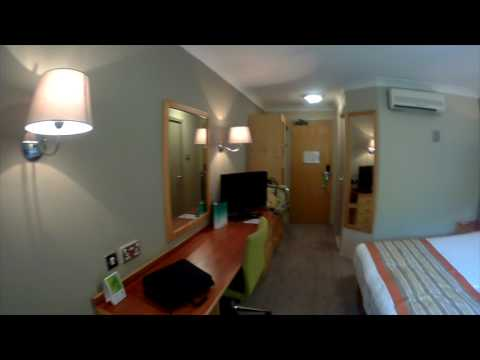 Hotel Room Review - Holiday Inn Chester West Room 212