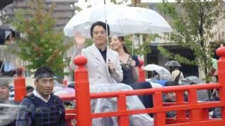 2012 09 23 会津まつり 会津藩公行列です。ゲストに白羽ゆりさん、国広...