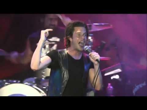 THE KILLERS - READ MY MIND AND RUNAWAYS (Life is Beautiful Festival)