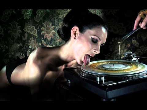 Karel Gott - Bum Bum Bum (DJ PiP dubstep remix)