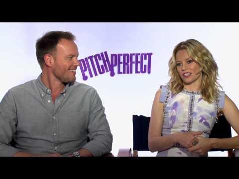 Elizabeth Banks & Jason Moore 'Pitch Perfect' Interview! Mp3