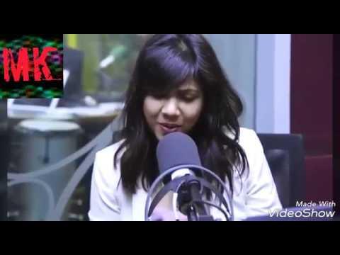 MADONNA SEBASTIAN SINGING ZONG