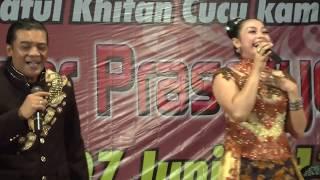 Download lagu Duet Spektakuler Didi Kempot dengan Istri Yan Velia | Jambu Alas