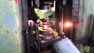 Производство крепежа(Штамповка болтов из стали 35, 40х, 20х13, 14х17н2, 12х18н10т с предварительным нагревом заготовки., 2014-12-29T07:58:04.000Z)
