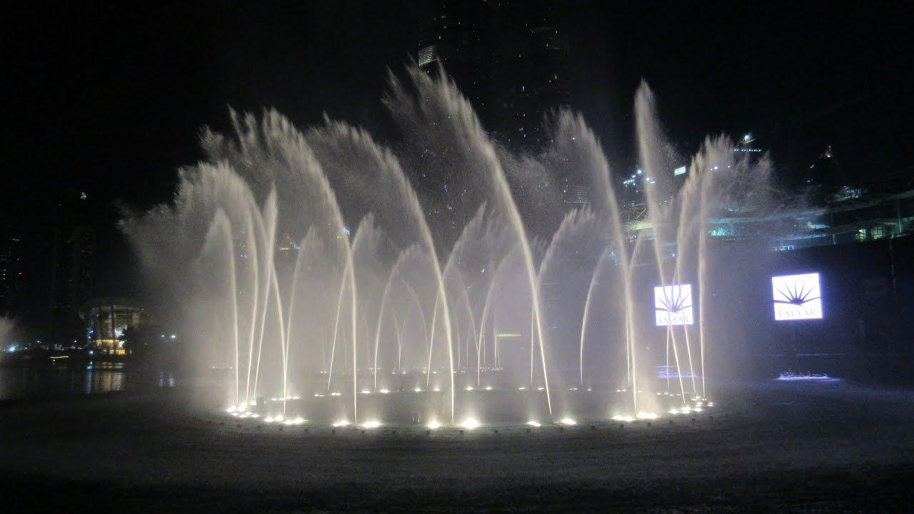 dubai fountain dubai mall downtown wasserspiele burj khalifa lake fontaine de duba. Black Bedroom Furniture Sets. Home Design Ideas