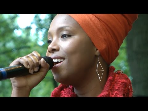 Karyna Gomes - Scola di Cabral - AFH869