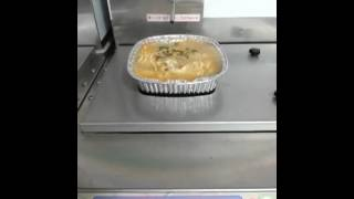 한강 편의점의 끓인 라면 판매기 !
