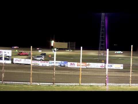 101_9498 2014-05-09 Devils Lake Speedway Hobby Stock Feature part I
