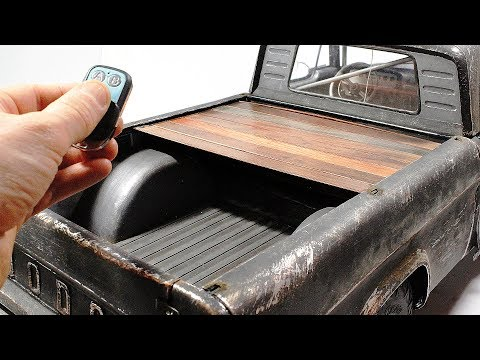 Winch powered bed cover in 1/6 scale