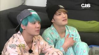 JYJ having fun in their mini karaoke session xD (LOL at yoochun dis...