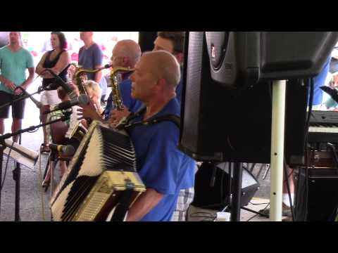 Don Wojtila Band (2015) -  Oh Baby Mine / Singers and Players (in Slovenian) / Good Time Polka ·