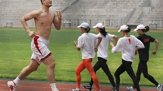 Chinese people are so small and weak!