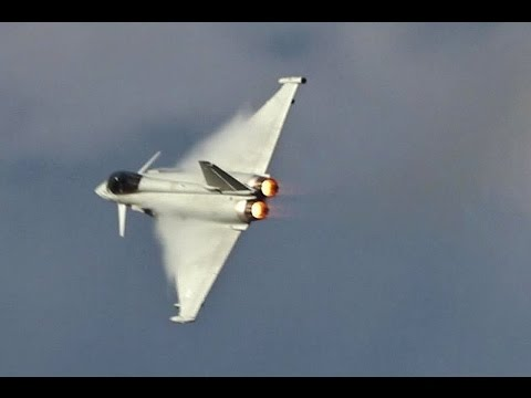 RAF Typhoon Display (Crazy Loud!!)      Southport Airshow 2016
