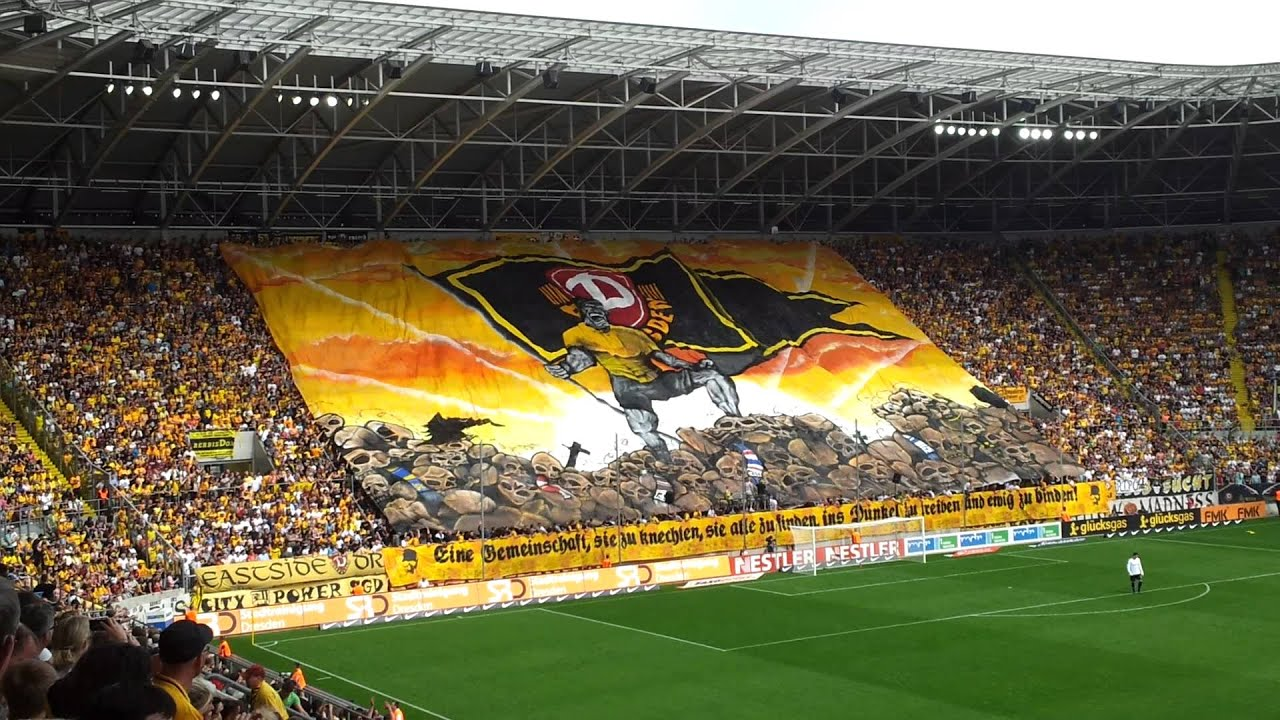 Dynamo Dresden - St. Pauli | Choreo | 29. April 2012 - YouTube