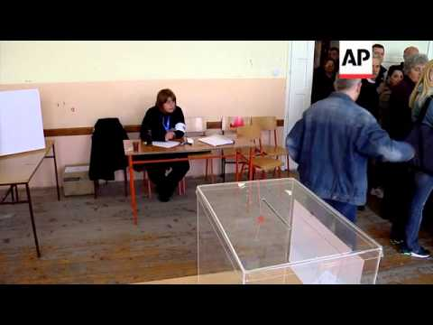 Serbs in Kosovo cast ballots, comments from mayor of Mitrovica north