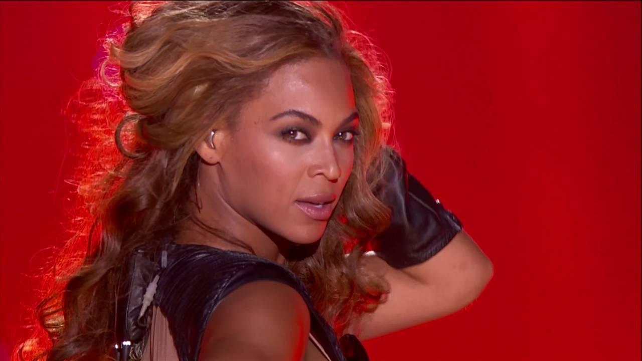 Download Beyoncé - Super Bowl [4K Quality 2160p]